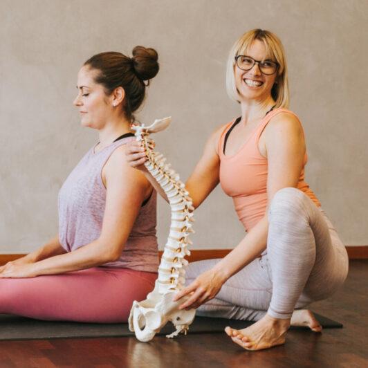 Yogalehrer-Ausbildung Yogal-Teachertraining in München 300 Stunden Yoga-Akademie München Yogalehrer werden ausrichtungsbasiertes Teachertraining